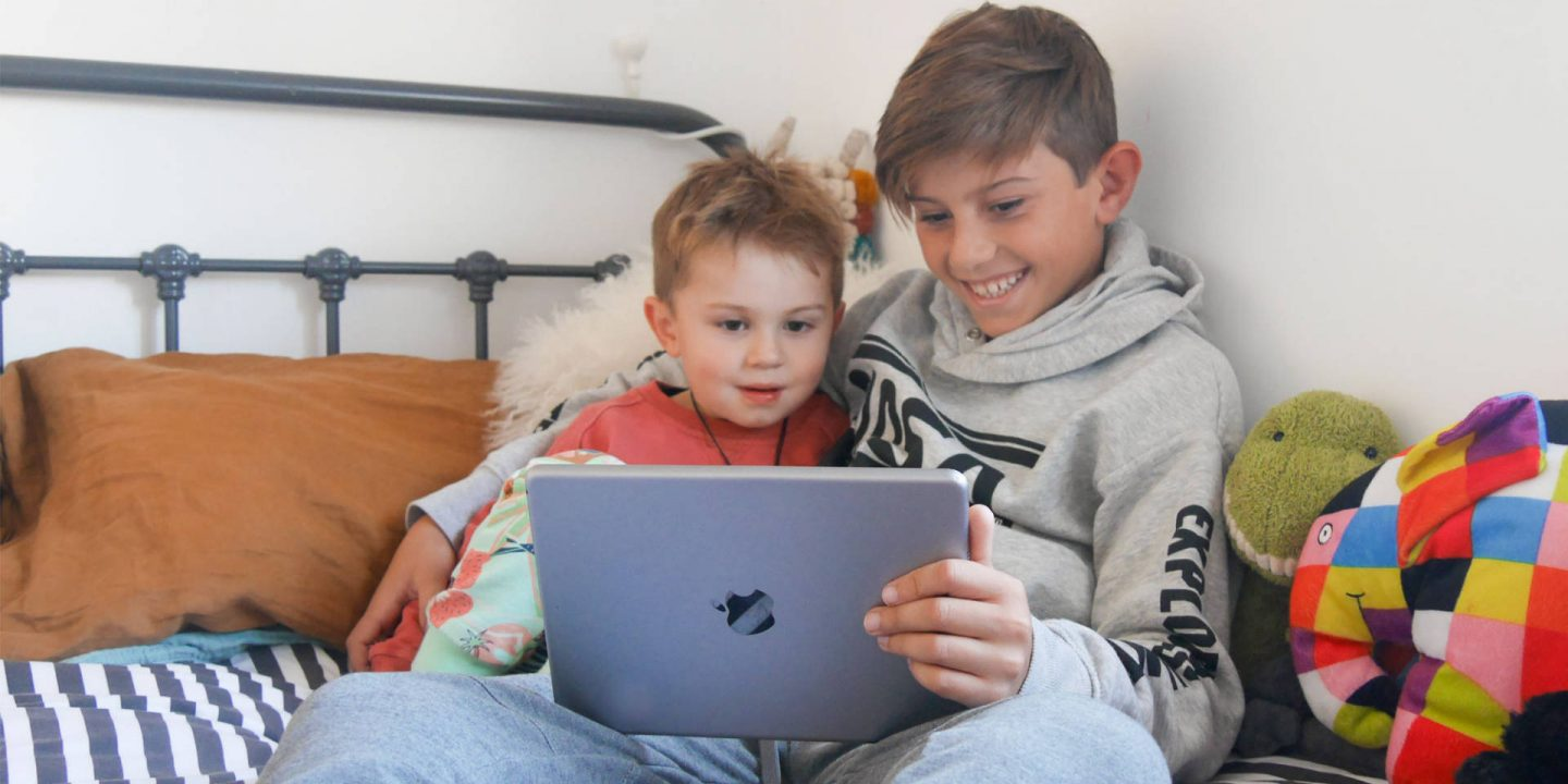 How to Keep Kids Safe Online – Home & Away with F-Secure TOTAL {Sponsored}